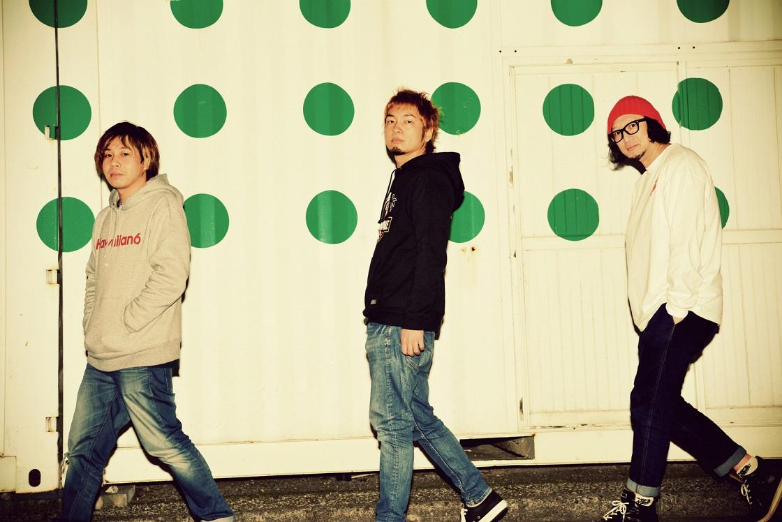 dustbox  Guest:SiM/GOOD4NOTHING│The Awakening TOUR FINAL SERIES
